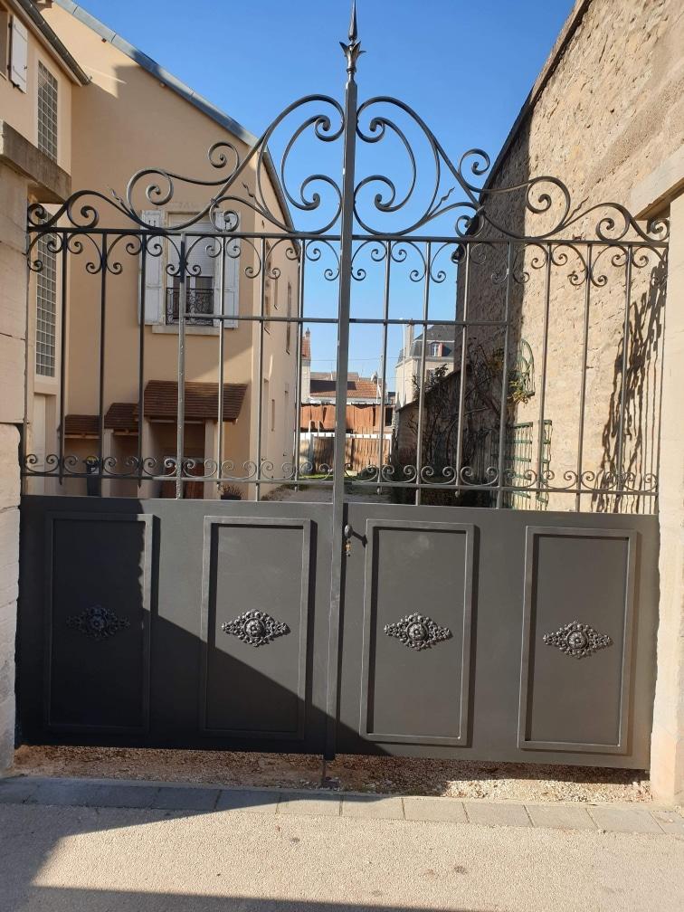 portail métallique serrurerie métallerie matrat fontaine-lès-dijon (21)