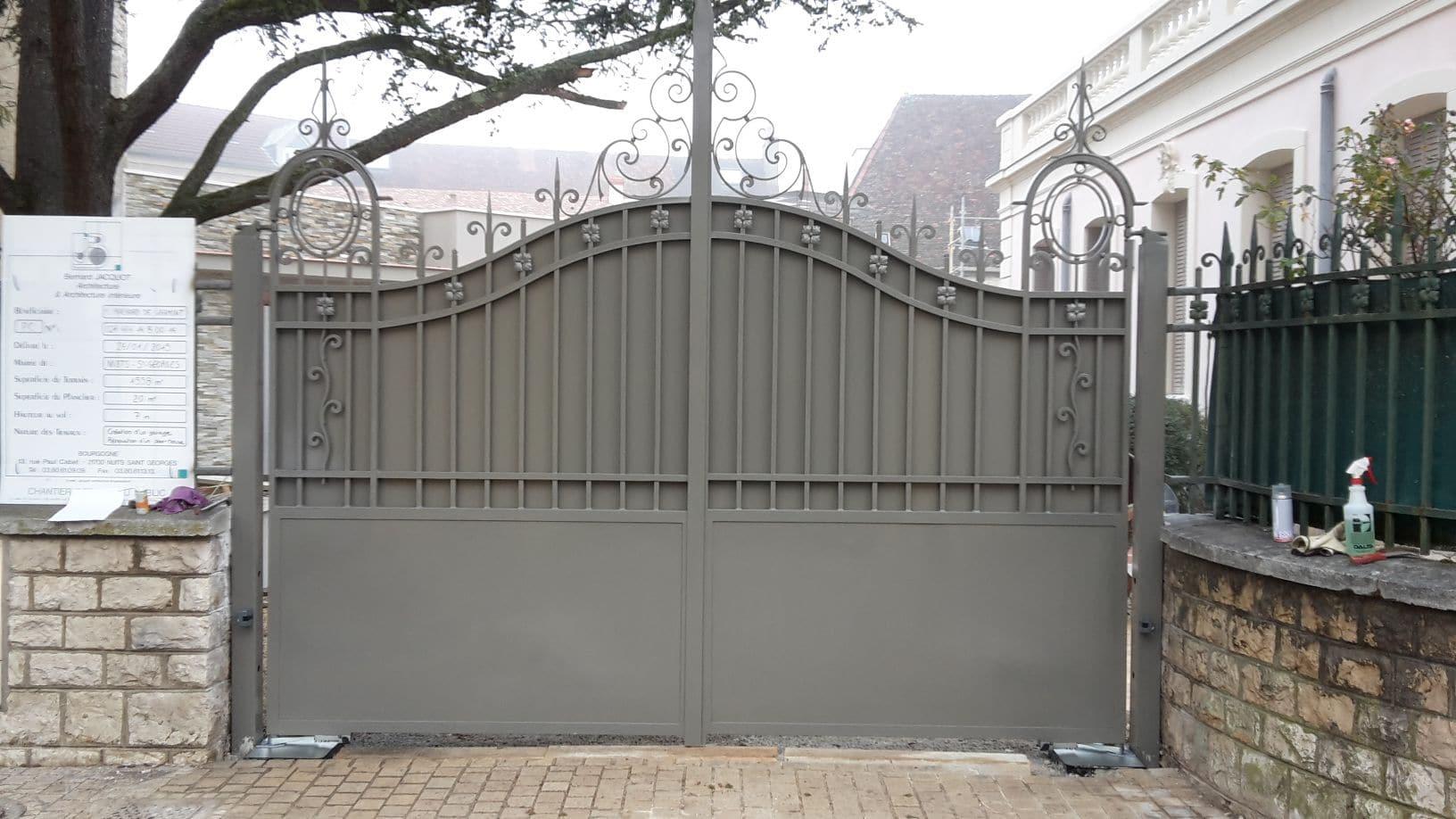 portails métalliques serrurerie métallerie matrat fontaine-lès-dijon (21))